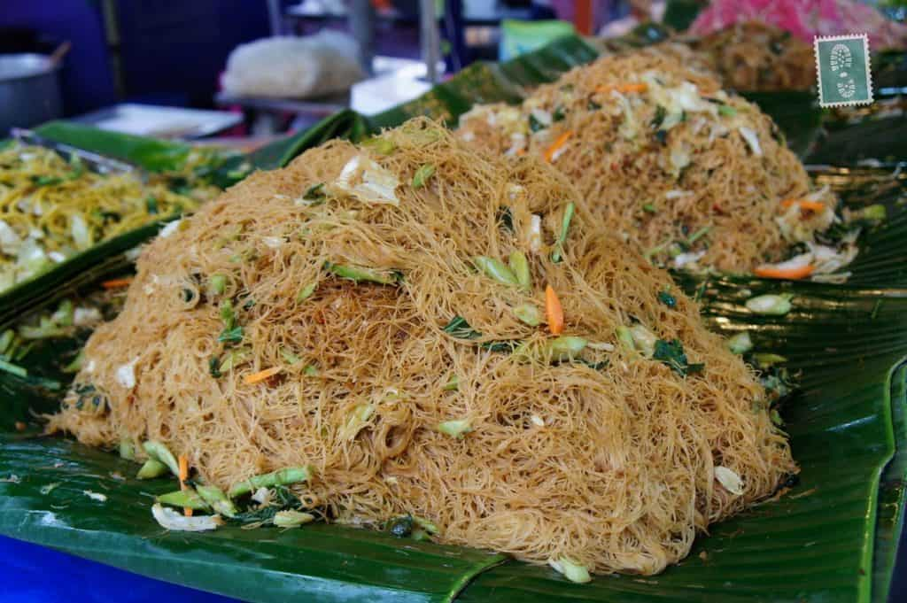 photo essay thai food adventure travel blog different types of noodles some vegetables
