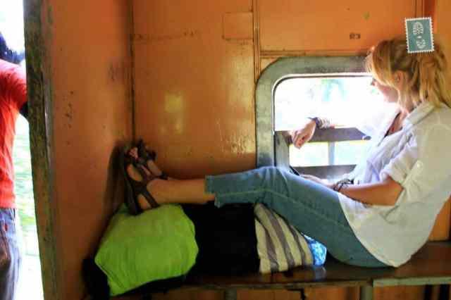 Całymi dniami w pociągach, Sri Lanka