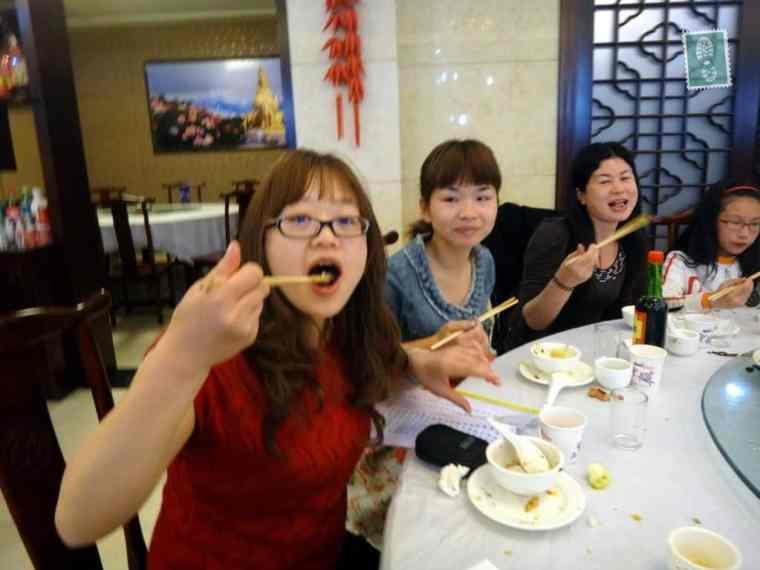 Chińskie nauczycielki z mojej szkoły podczas lunchu