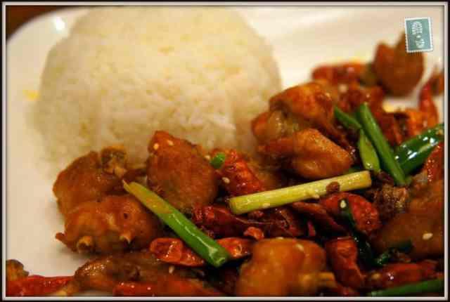 Diced chicken with hemp pepper rice