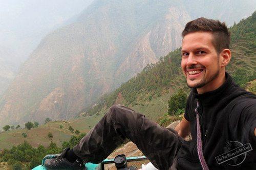 Dennis Kopp of SeeTheWorldImMyEyes - Selfie on the Roof of a Bus in Nepal-001