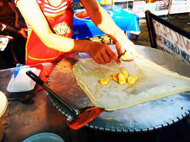 Street-cart-banana-pancakes