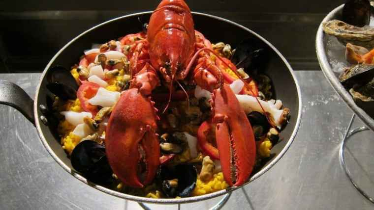 paella-lobster