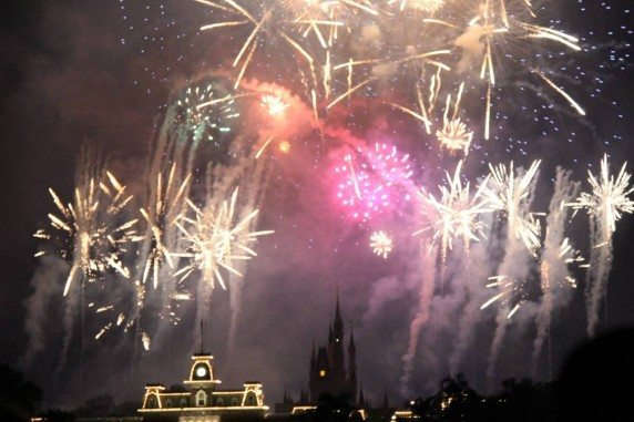 fireworks-shows-disney