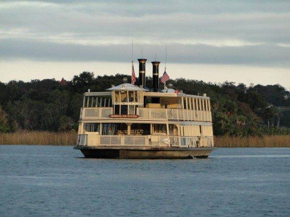 monorail-boat-disney