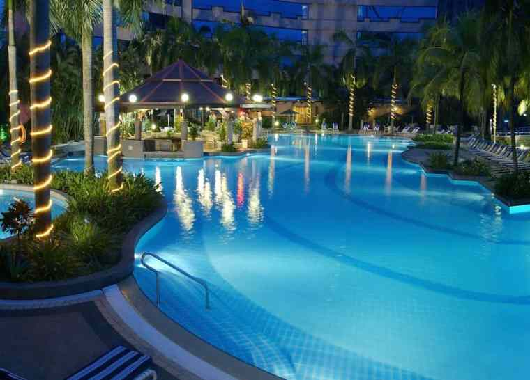 Swimming pool at the Renaissance by Marriott, Kuala Lumpur