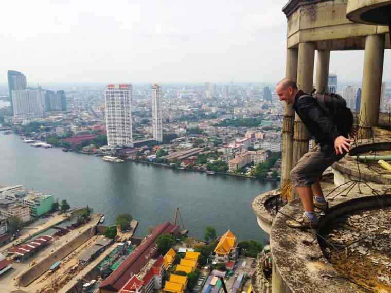 Exploring an abandoned skyscraper in Bangkok