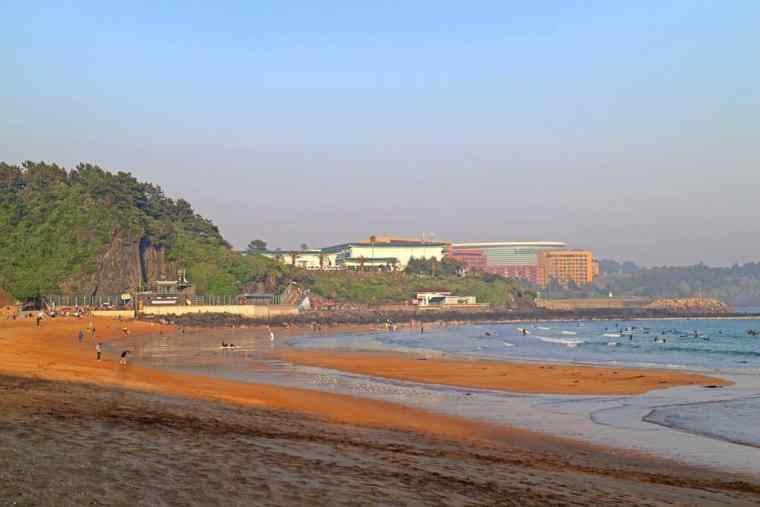 jongmun-beach-jeju-island