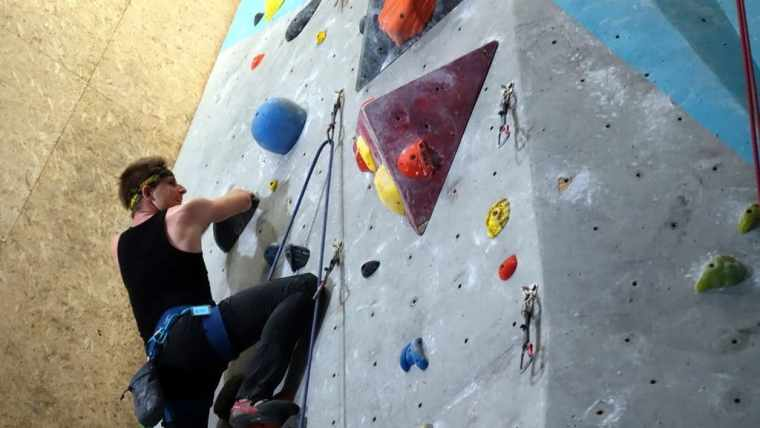 Learning how to lead climb – sh*t gets real!