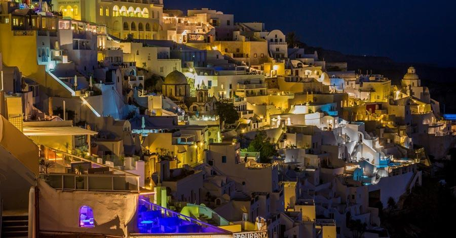 11 Best Romantic Places To Travel In The World Santorini Greece