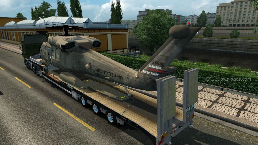 uh-60-black-hawk-trailer-2