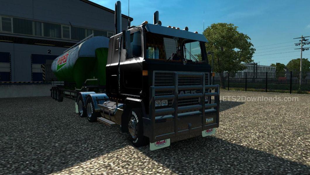 mack-ultraliner-ets2-v1-24-x-upgraded-4