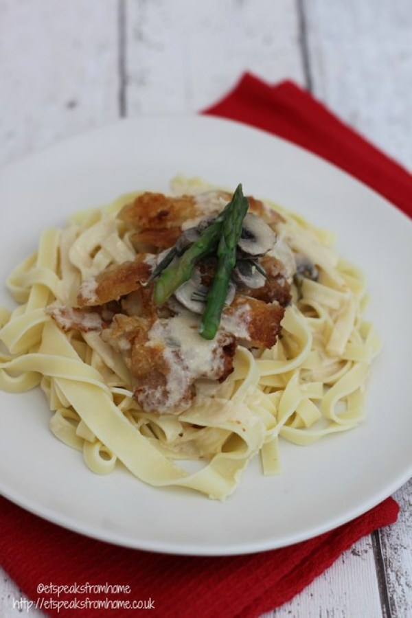 Vibrant Chicken in Creamy Wine Sauce