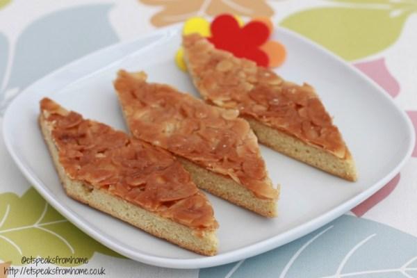 caramel almond crisp cookies