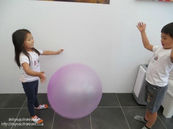 wubble bubble ball playing