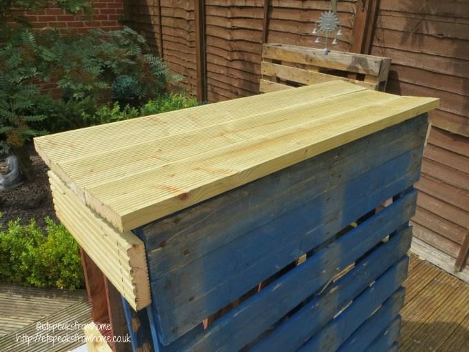 pallet climbing frame top