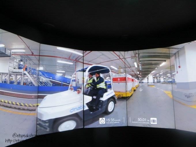 emirates aviation experience luggage