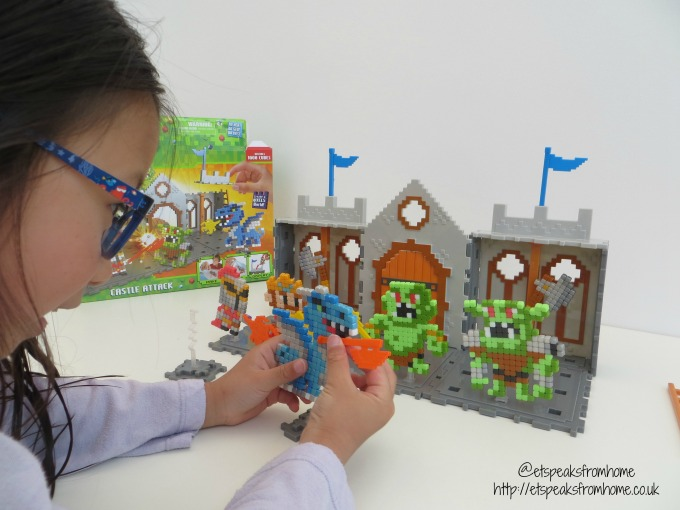 Qixels Kingdom Castle Attack Playset playing
