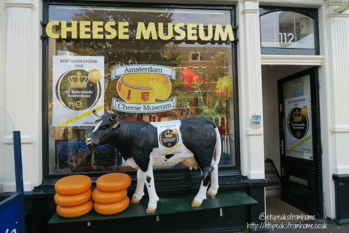 foods to try in amsterdam cheese museum