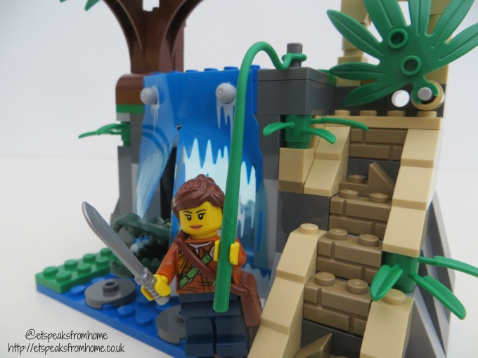 lego city jungle mobile lab waterfall temple