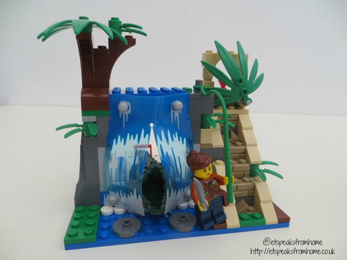 lego city jungle mobile lab waterfall with temple