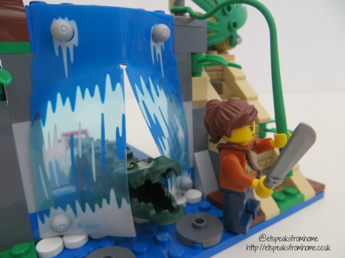 lego city jungle mobile lab waterfall