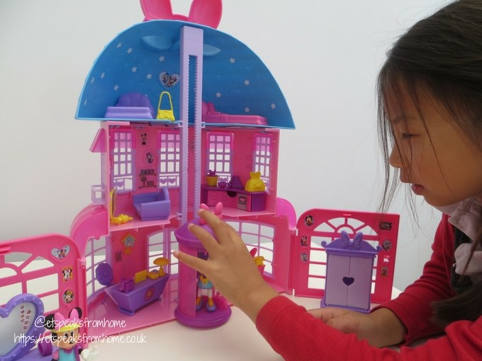 Minnie Mouse Happy Helpers House Review playing
