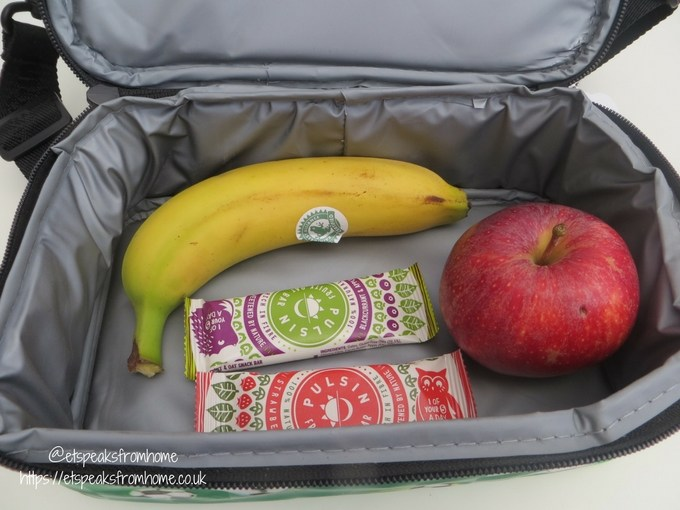smiggle lunch box compartment