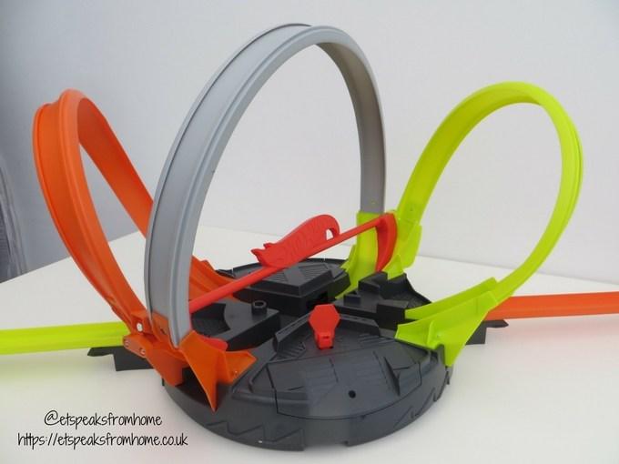 Hot Wheels Roto Revolution Track loops