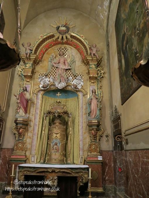 Pollensa Sunday Market, Palma angels church