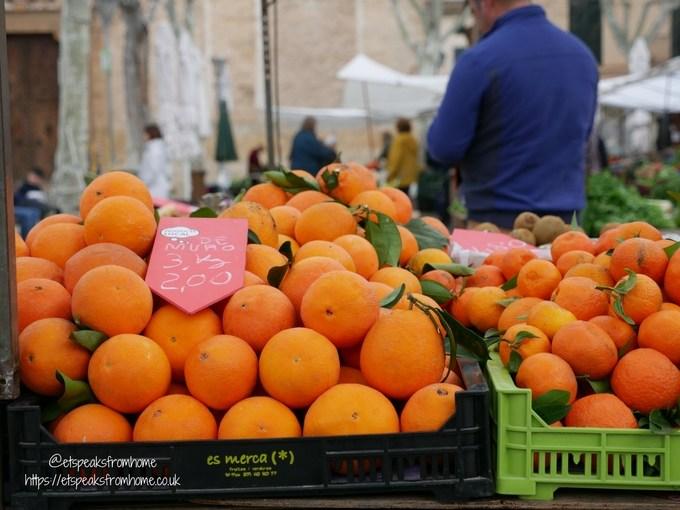 Pollensa Sunday Market, Palma orange