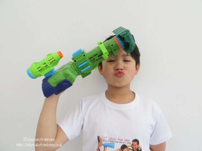 Nerf Assembler Gear Hulk playing