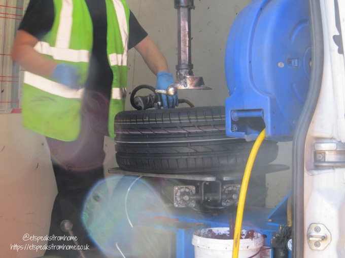 Tyres On The Drive remove wheel