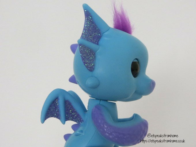 Fingerlings Baby Dragon Tara side