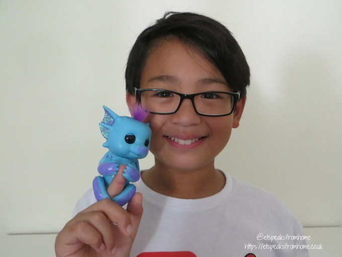 Fingerlings Baby Dragon Tara
