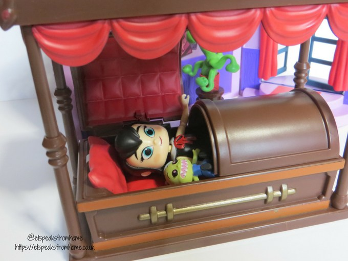 Hotel Transylvania 3 toy review ghostly goodnight playset mavis