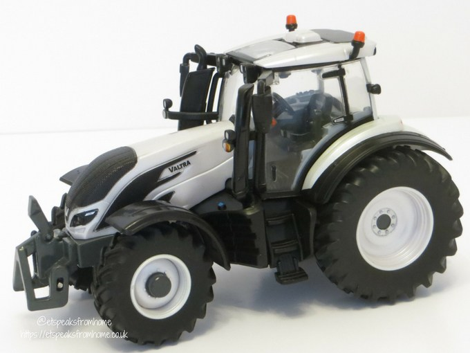 Valtra TZ54V left side