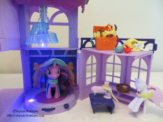 mlp Magical School of Friendship playset fashion classroom
