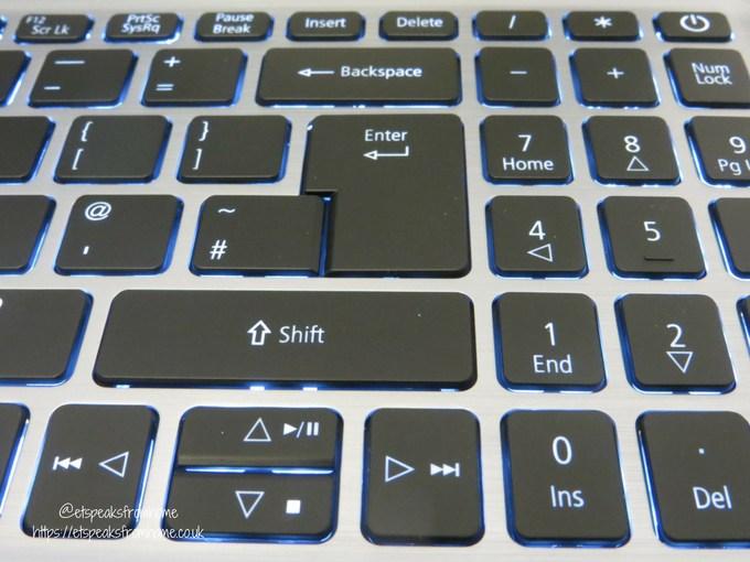 acer swift 3 15.6 16gb optane 1tb laptop keybroad