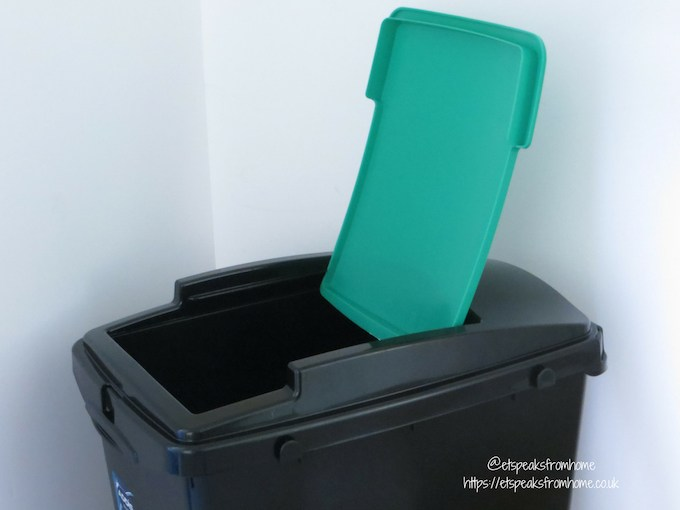 Addis recycling bin with colour lid green