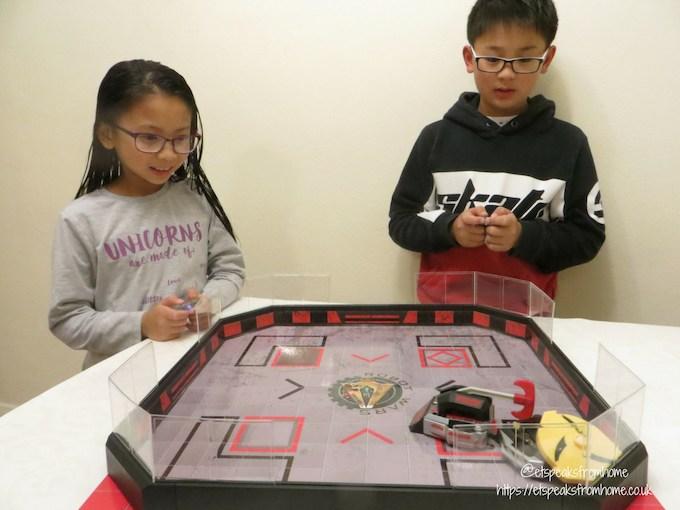 Hexbug Robot Wars Arena playing children