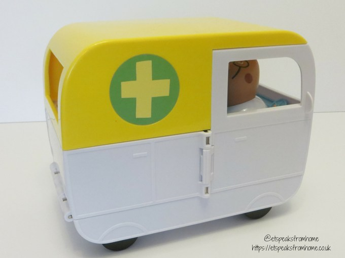 Peppa Pig Mobile Medical Centre ambulance