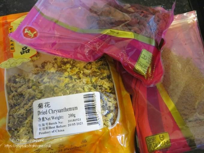 Make your own Chrysanthemum Tea ingredients