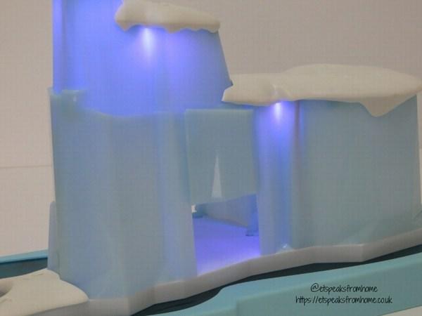 Hexbug Lil' Nature Babies Icy Cavern secret door