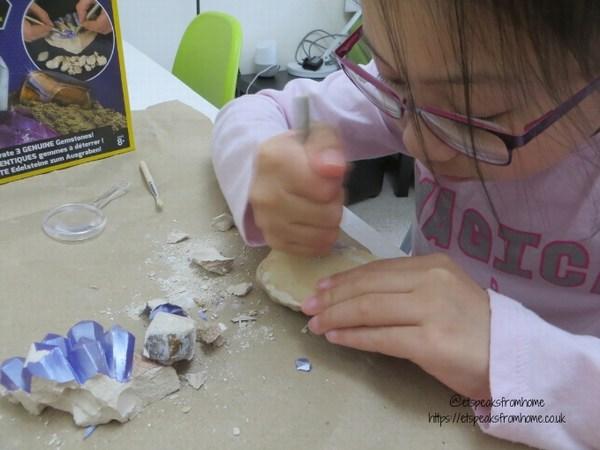 National Geographic STEM gemstones kit excavate
