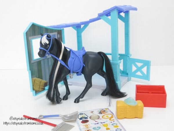 Spirit riding free Classic Horse & Stable review