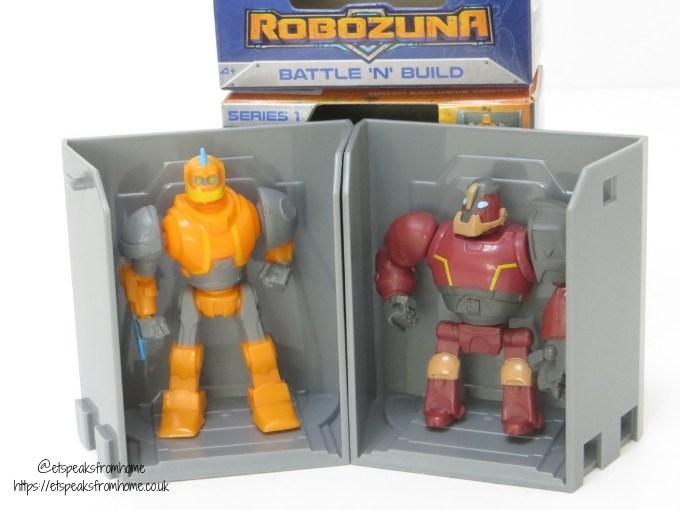 **ROBOZUNA**  Battle /'N/' Build Multipack ROBOT MULTI PACK with MEGABATABOT!