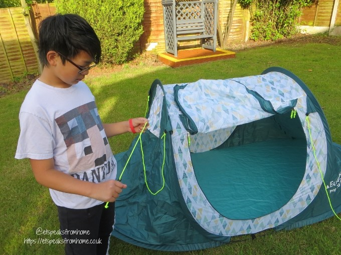 Garden Family Sleepover - Wild Night Out pop tents 2 men