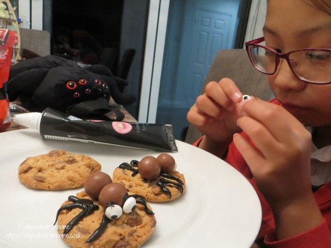 The Addams Family Movie spooky spider cookies making