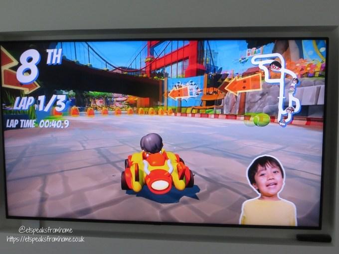 race with ryan screen